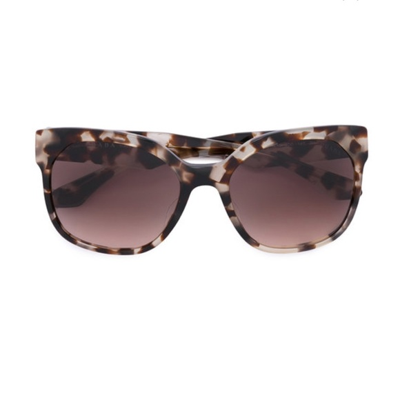 c18de124fe85c PRADA Tortoiseshell square-frame sunglasses. M 5b4a0f81819e908dd7d69b84
